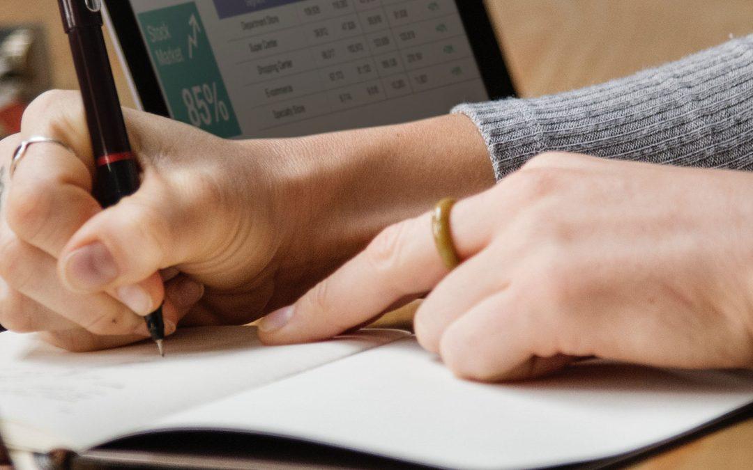 analysis-banking-businesswoman-1451448_2