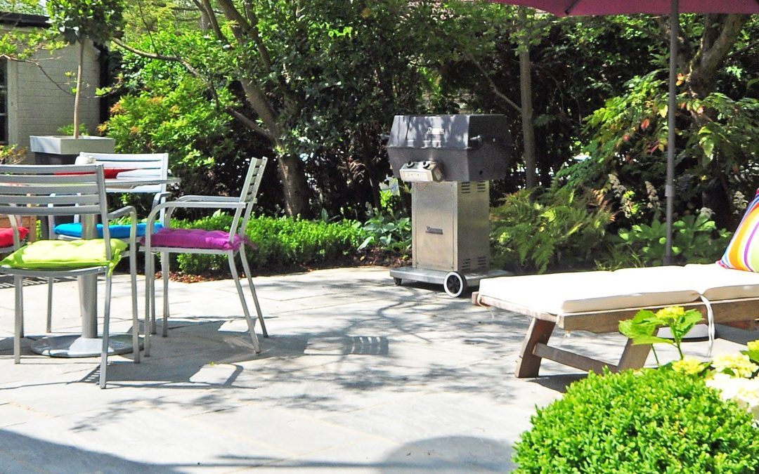 backyard-bench-daylight-210531_2